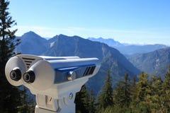 Binocolo a gettoni nelle alpi europee Immagini Stock