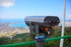 Binocolo sui precedenti di bella vista del mare Fotografie Stock
