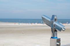 Binocular en la playa Fotografía de archivo