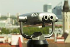 Binocular a fichas do metal da vista panorâmica de Tallinn Foto de Stock