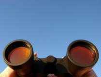 binocular hands Στοκ φωτογραφία με δικαίωμα ελεύθερης χρήσης