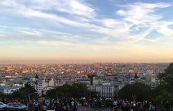 binoculars coin de fayette法国画廊高la运行在视图的巴黎 库存照片
