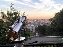 binoculars coin de fayette法国画廊高la运行在视图的巴黎 免版税库存图片