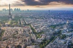 binoculars coin de fayette法国画廊高la运行在视图的巴黎 库存图片