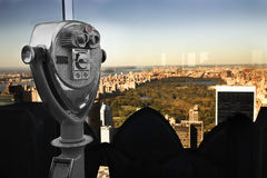 Binoculars overlooking Manhattan Royalty Free Stock Photography