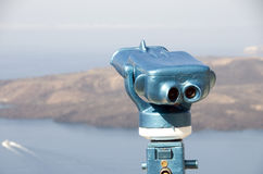 binokulär grekisk visning för ösantoriniteleskop Arkivbild