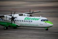 Binter Canarias ATR42在大加那利岛机场 库存照片