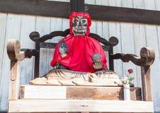 Binzuru Pindola trästaty i den Todai-ji templet, Nara, Japan Arkivbilder