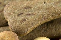 Bio- biscotto per i cani fotografia stock