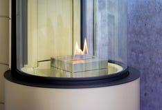 Bio cheminée moderne de fireplot sur le gaz d'éthanol Image stock