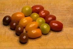Bio- Cherry Tomato colorato fotografie stock libere da diritti