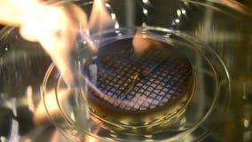 Bio fireplot moderno no close-up do gás do álcool etílico filme
