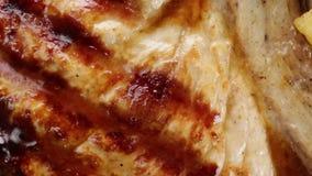 Bio Geroosterd lapje vlees snel voedsel stock footage