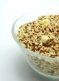 Bio mat: Organiska ris för blandning på vit bakgrund Arkivfoton