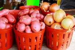 Bio- mercato agricolo sano fresco dell'agricoltore delle patate Fotografia Stock