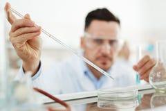 Bio Moleculair Experiment in Laboratorium royalty-vrije stock afbeelding
