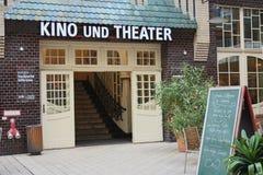 Bio på Hackesche Höfe, Berlin arkivfoton