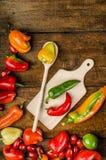 Bio- peperoni dal giardino fotografie stock