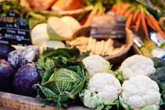 Bio- verdure fresche sul mercato dell'agricoltore a Strasburgo, Francia Fotografie Stock Libere da Diritti