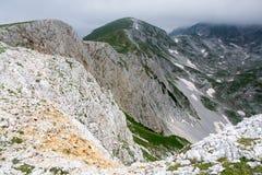 Bioc góry w Montenegro w mgle Obrazy Royalty Free