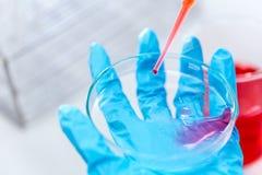 Biochemiczna analiza i Chemiczna analiza w Lab zdjęcia royalty free