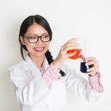 Biochemii próbki studencki robi ciekły test Obraz Stock