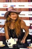 Biodirektör Claire McCarthy, USA, på den 40th MoskvaInternationalfilmfestivalen Royaltyfria Foton