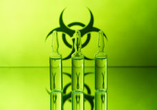 Biohazard ed ampolle fotografia stock