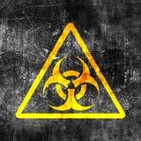 Biohazardtecken på den gamla grungy väggen Grungebiohazardsymbol Svart och gul illustration för monokrom stock illustrationer