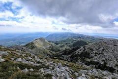 Biokovo gór krajobraz pod chmurnym niebem Fotografia Royalty Free