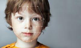 Biometrische Überprüfung - Jungen-Gesichts-Entdeckung, stockbilder