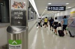 Biosecurity no aeroporto internacional de Auckland fotos de stock