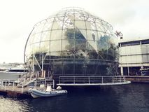 Biosfera圆顶在热那亚是一个巨型玻璃球 免版税库存图片