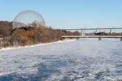 Biosfera in Parc Jean Drapeau, nell'inverno fotografia stock