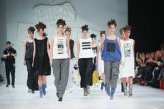 Bipa-Mode Stunden-Modeschau: Marina Design Stockfotografie