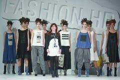 Bipa-Mode Stunden-Modeschau: Marina Design Lizenzfreie Stockfotos