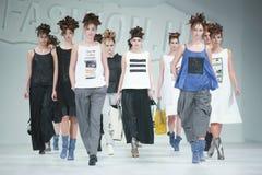 Bipa-Mode Stunden-Modeschau: Marina Design Lizenzfreies Stockfoto