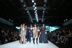 Bipa mode timme-modeshow 2017: Ines Atelier Zagreb, Kroatien royaltyfri bild