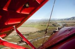 Biplan w locie Zdjęcie Royalty Free