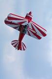 Biplano aeroacrobacia Fotografía de archivo libre de regalías