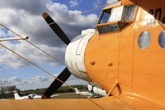 Biplano giallo Immagini Stock