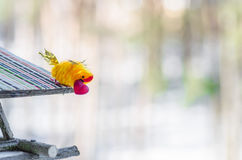 Bird with red heart in its beak is ready to give his beloved Royalty Free Stock Photos