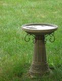 Birdbath en pierre Image libre de droits