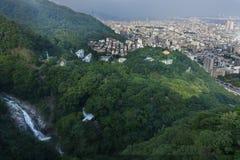 Birdeyemening van Kobe-cityscape, berg, bos en Nunobiki w royalty-vrije stock afbeeldingen