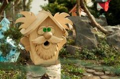 Birdhouse в форме деда Стоковая Фотография