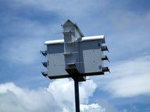 Birdhouse de Martin pourprée Image libre de droits