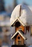 Birdhouse del invierno Fotografía de archivo libre de regalías