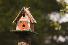 Birdhouse rústico Imágenes de archivo libres de regalías