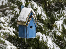 Birdhouse in Snow Royalty Free Stock Images