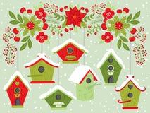 Birdhouses вектора вися от флористической ветви рождества бесплатная иллюстрация